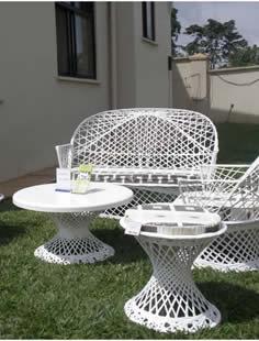 garden_2b_Fibreglass-Montarey-set